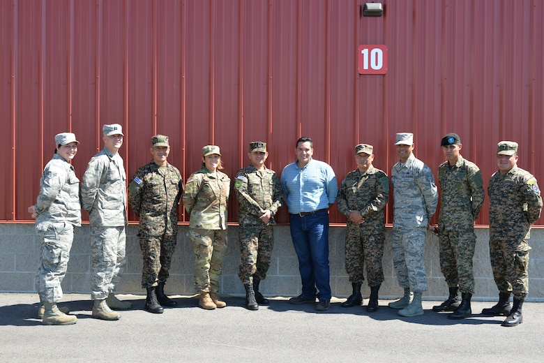 Members of the New Hampshire National Guard and the El Salvador Armed Forces pose for a photo during a state partnership program visit Aug. 4, 2016, at the New Hampshire National Guard Training Site, Center Strafford, N.H. (Air National Guard photo by Airman 1st Class Ashlyn J. Correia)