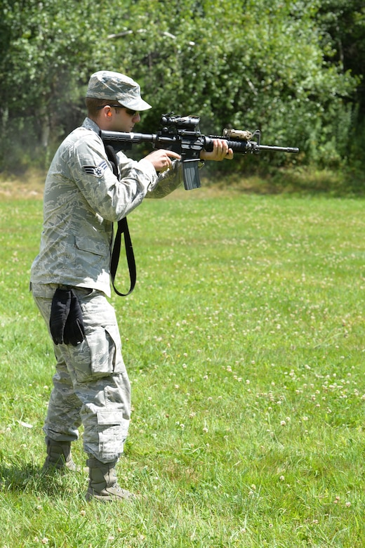 U.S. Air Force Senior Airman Michael Wortley, New Hampshire Air National Guard, fires a M-4 during joint training with the New Hampshire Army National Guard, Aug. 7, 2016 at Camp Ethan Allan, Vt. (Air National Guard photo by Airman 1st Class Ashlyn J. Correia)