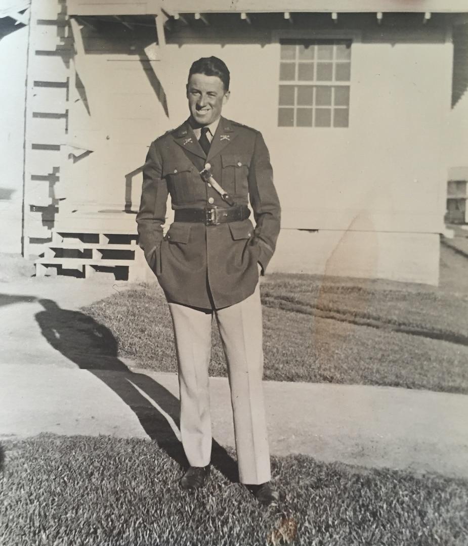 Capt. Elwood Euart