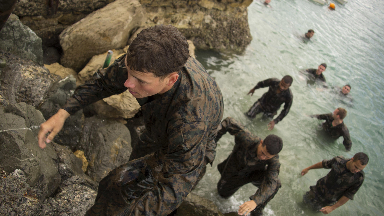 u s  marines dive into french commando course  u0026gt  the