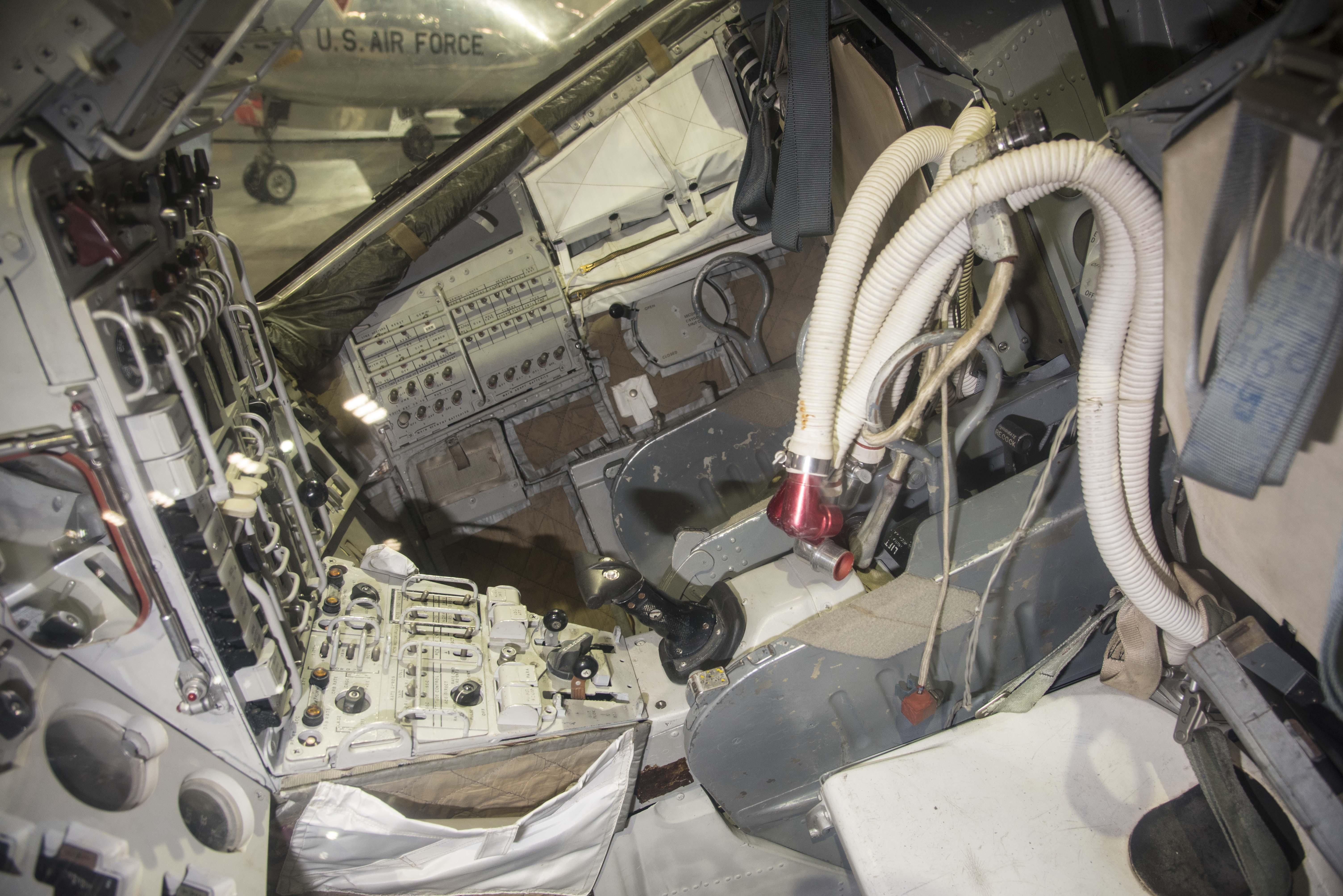 next manned spacecraft interior - photo #17