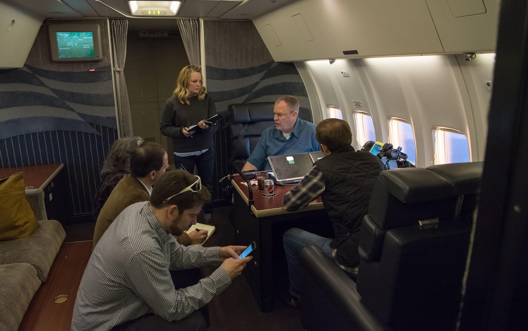 Deputy Defense Secretary Bob Work speaks with members of the press during a flight to Arizona, Dec. 1, 2016. DoD photo by Army Sgt. Amber I. Smith
