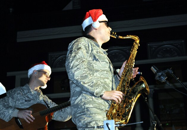 A long standing tradition brought together about 15,000 revelers for downtown Vacaville's annual Merriment on Main celebration Nov. 29, and Team Travis was out in force to help celebrate the season. (U.S. Air Force photos, Ellen Hatfield/released)