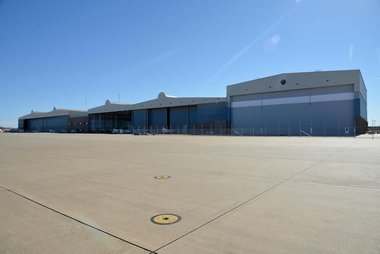 An overall view of the new Navy hangar, far right, which features its own machine shop, sheet metal shop and new offices for engineers, logisticians and key personnel of the Fleet Support Team. (Navy photo by Petty Officer 1st Class Cody Boyd)