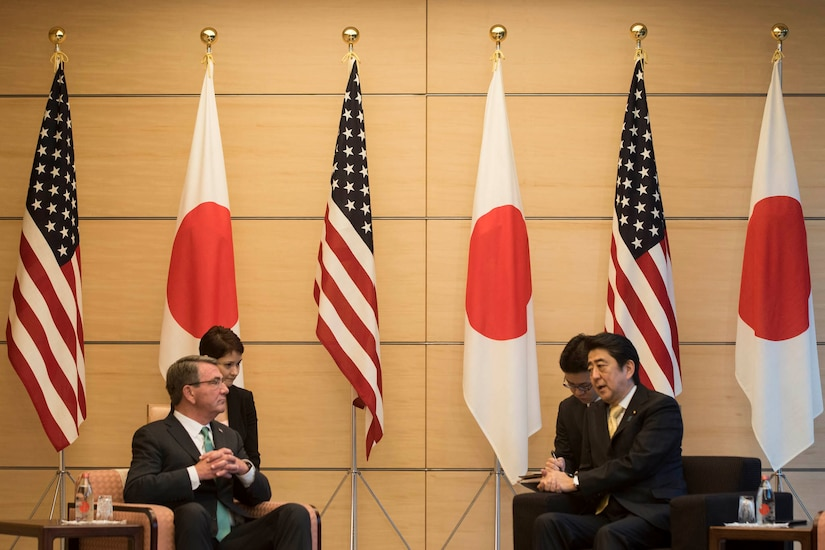 Defense Secretary Ash Carter meets with Japanese Prime Minister Shinzo Abe in Tokyo, Dec. 6, 2016. DoD photo by Air Force Tech. Sgt. Brigitte N. Brantley