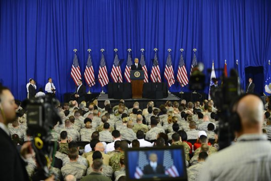 President Barack Obama addresses service members during a visit to MacDill Air Force Base, Fla. Dec. 6, 2016. The president thanked the men and women for their service and spoke on counter terrorism measures, national security and highlighted accomplishments of the U.S. military. (U.S. Air Force photo by Staff Sgt. Melanie Hutto)