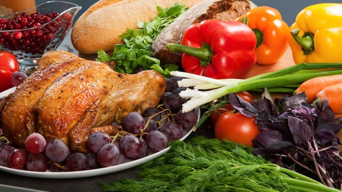 The holiday season brings lots of cheer, spirit and, of course, the holiday celebrations and food. Because of this, it can be easy to get off track with your healthy eating habits.