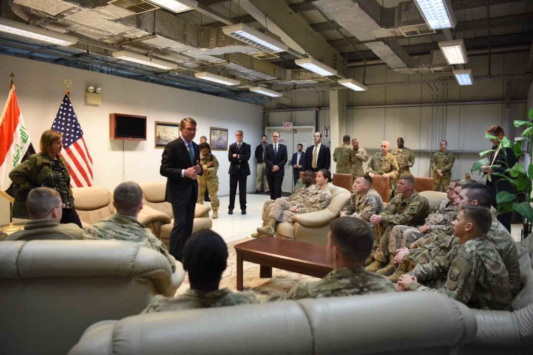 During his trip to Iraq, Defense Secretary Ash Carter, center, and his wife, Stephanie, left, thank U.S. troops for their service to the nation, Dec. 11, 2016. DoD photo