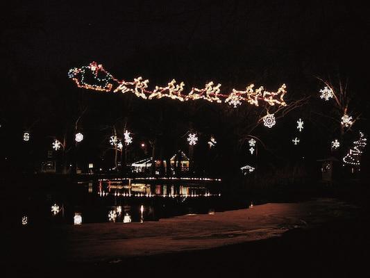 Holiday Light Displays > Fort Riley Kansas > Article Display - Christmas Lights Wichita Ks