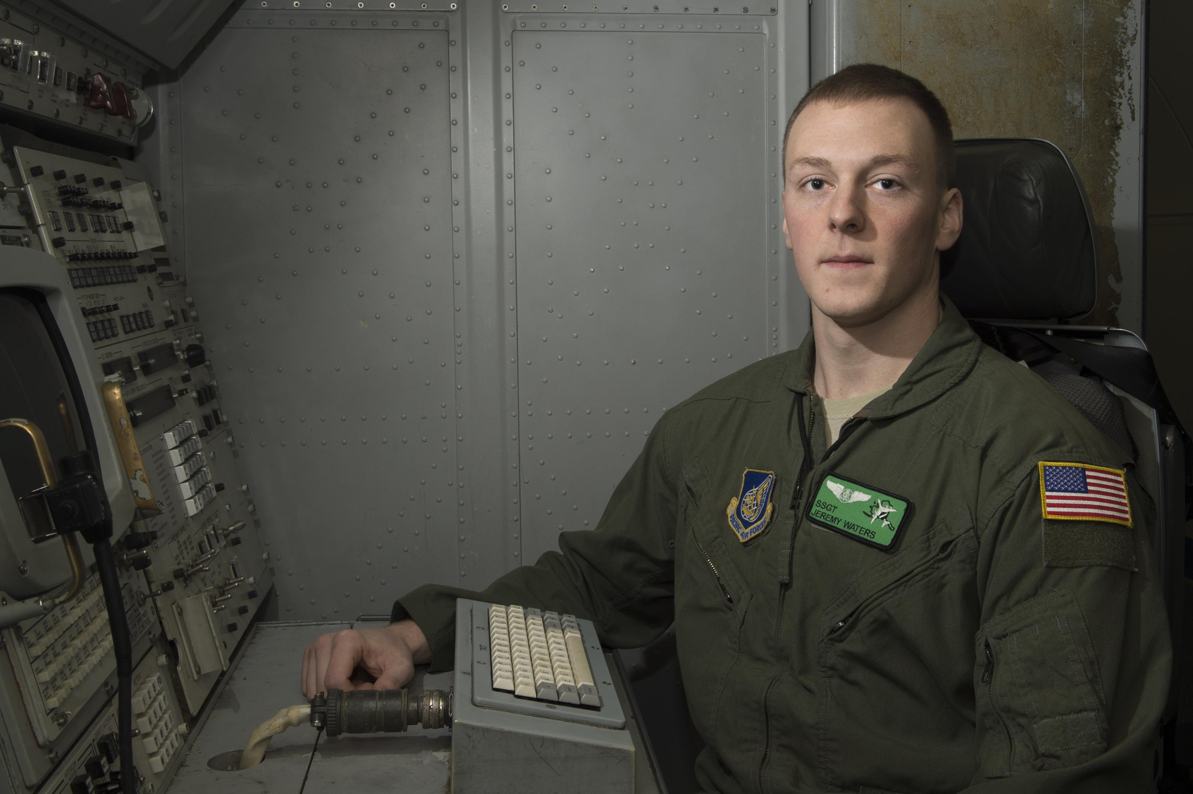 Navy enlistee and senior airman