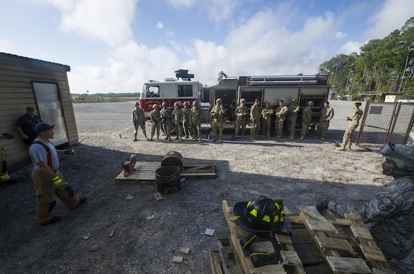 Hurlburt first responders conduct power tool training at Hurlburt Field, Fla., Dec. 13, 2016. Air Commandos participated in power tool training to enhance real-world emergency response capabilities to ensure global readiness. (U.S. Air Force photos by Airman 1st Class Joseph Pick)