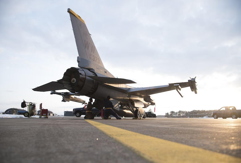 Crew chiefs secure airpower, presence > Misawa Air Base