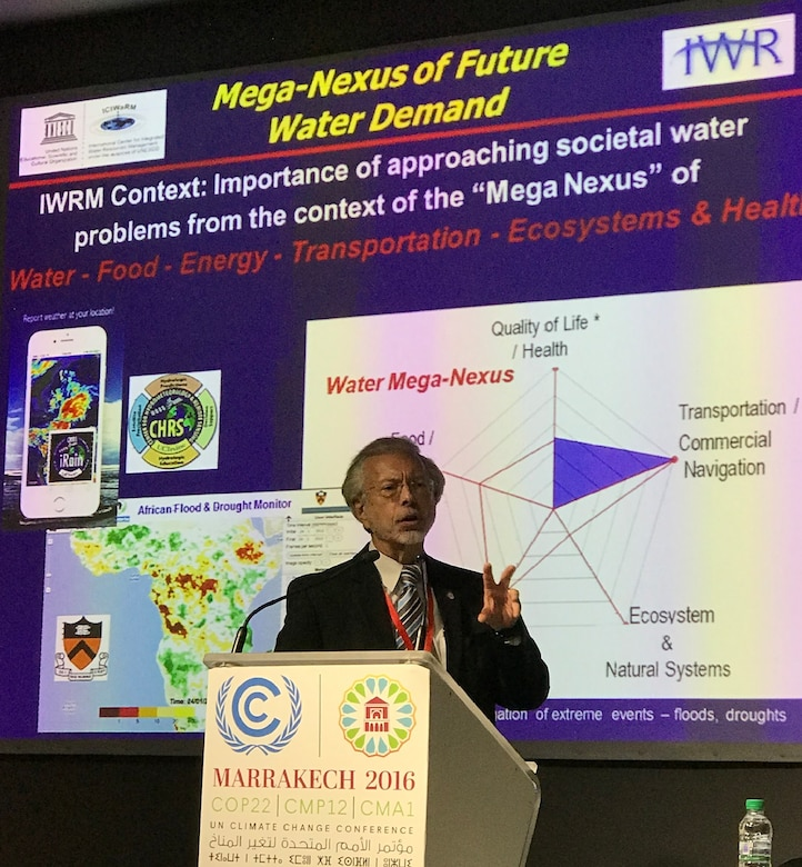 IWR / ICIWaRM Director, Bob Pietrowsky making a keynote presentation at the UNESCO IHP hosted event on Improving Stakeholder Engagement in Decision Making to Combat Extreme Flood & Drought Impacts, 8 Nov 2016.