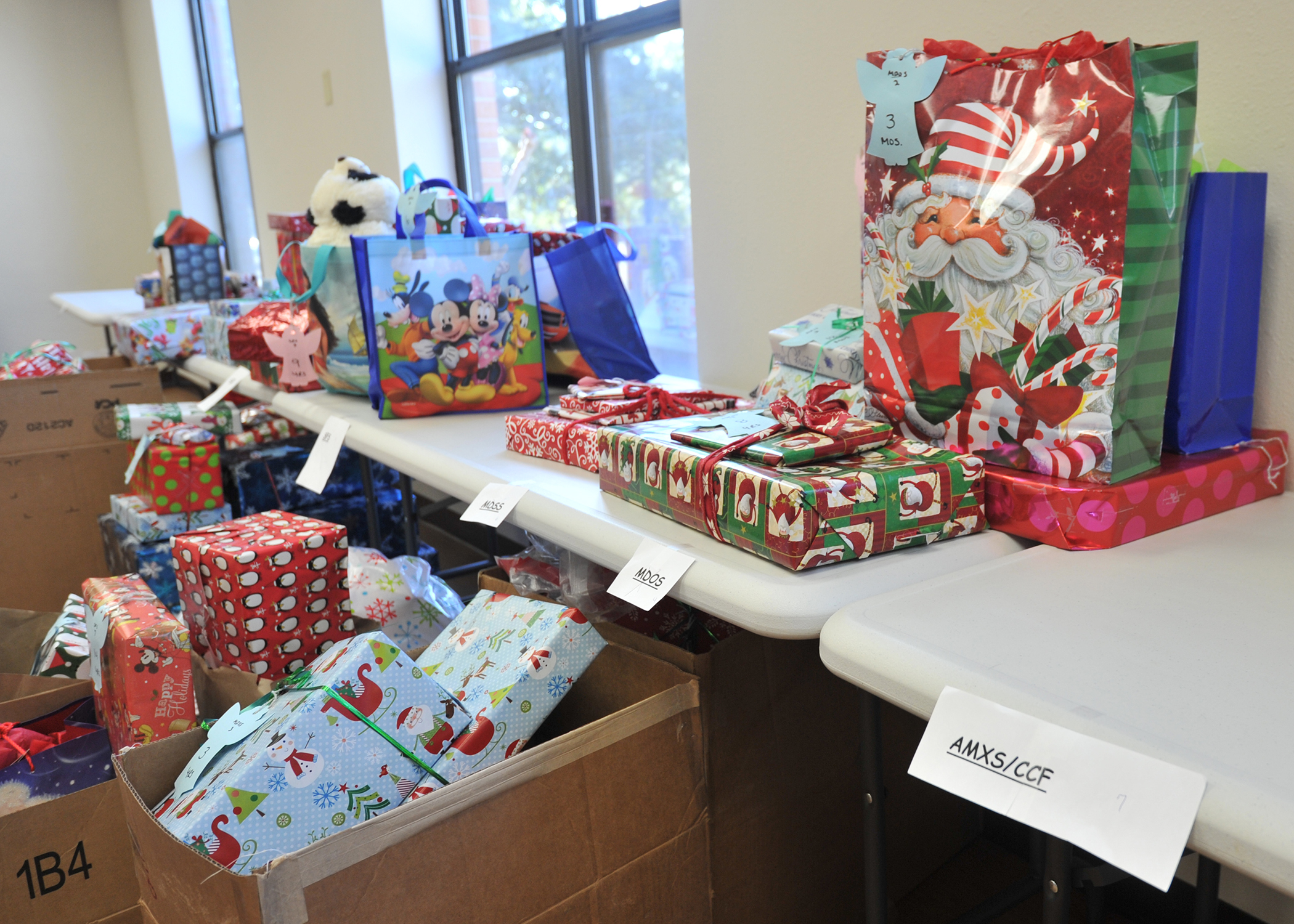Operation Angel Tree: Helping Families in Need > Air Force Medical ...