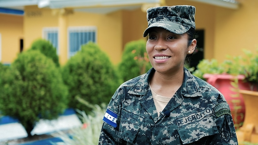 In Siguatepeque, Honduras, home of the 1st Engineering Battalion, Sergeant Yesica Carolina Baires became the first female engineer to accomplish the grueling Sapper Leader Course in February 2016.