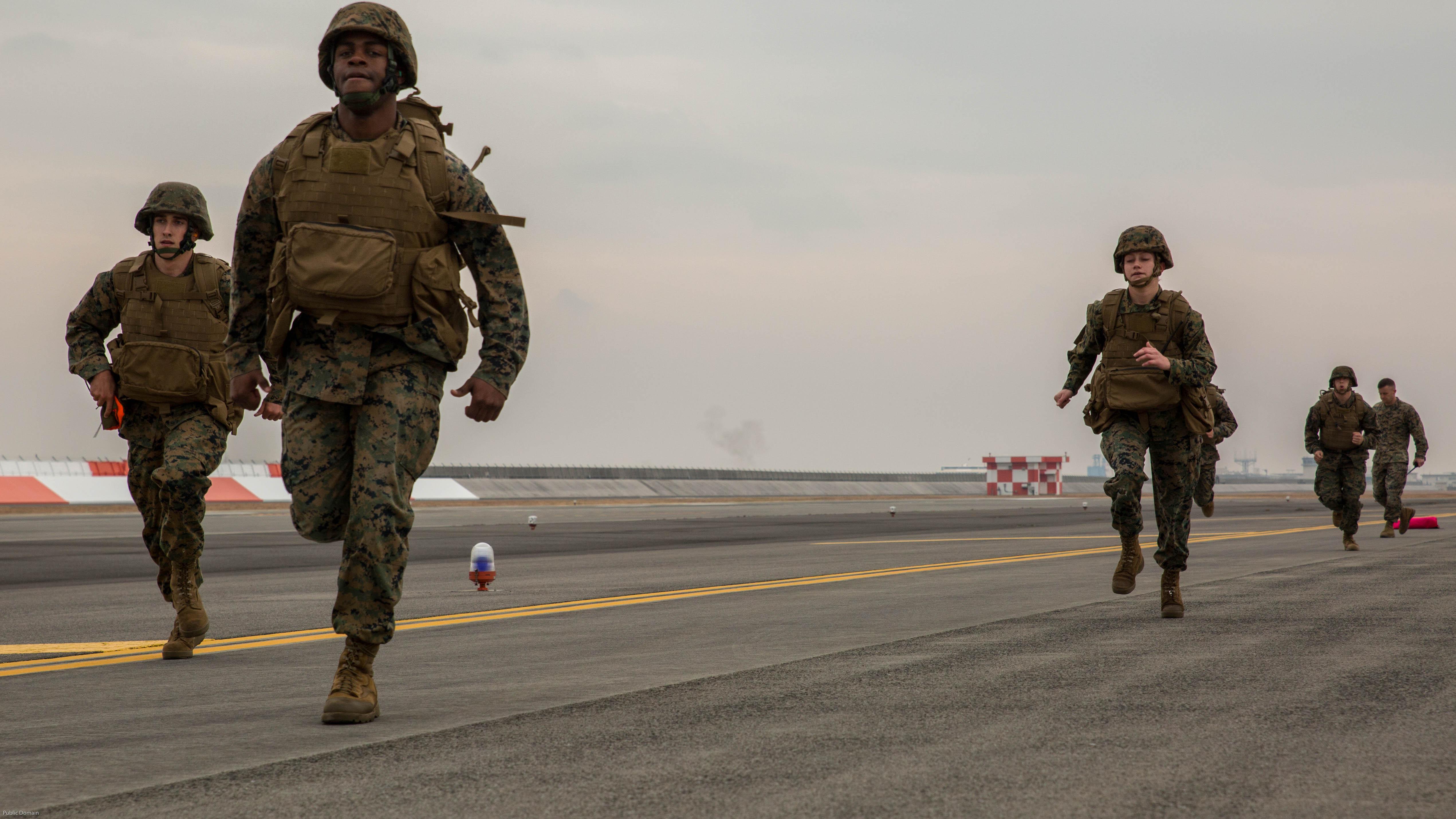 MACS-4 Marines train to employ expeditionary runways