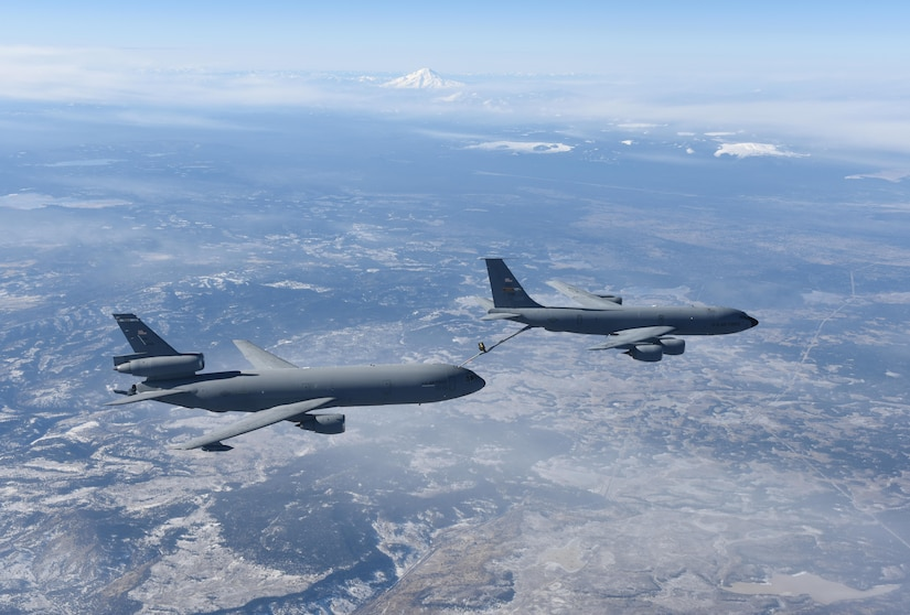 A KC-135 Stratotanker from Beale Air Force Base, California, refuels a KC-10 Extender, from Travis Air Force Base, California, December 22, 2016. The pilots and crew on board the KC-135 are with the 314th Aerial Refueling Squadron, Beale Air Force Base, California, and the pilots and crew aboard the KC-10 are with the 60th Formal Training Unit, Travis Air Force Base, California. (U.S. Air Force photo/ Staff Sgt. Bobby Cummings)