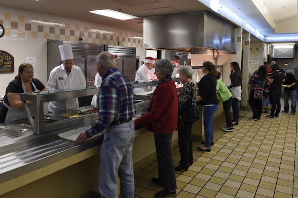 Dining Facility Hosts Christmas Dinner Joint Base