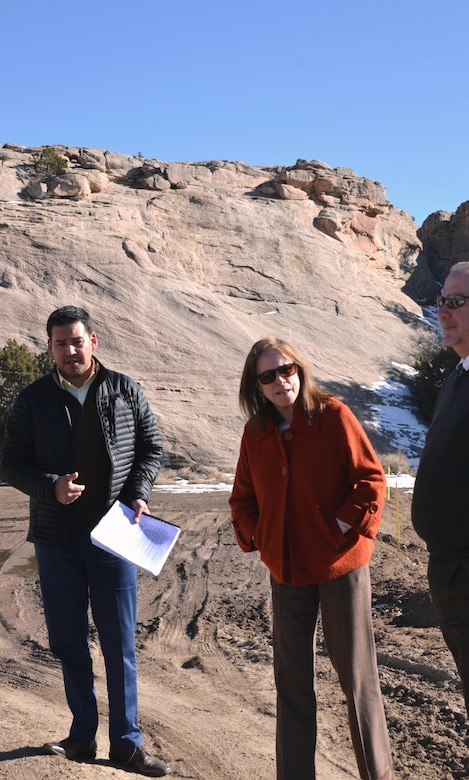 WINDOW ROCK, AZ – Albuquerque District Flood Plain Management Services program director Stephen Scissions speaks with Secretary Jo-Ellen Darcy about how his team assisted the Navajo Nation Zoological and Botanical Park with flooding issues, Jan. 27, 2016.