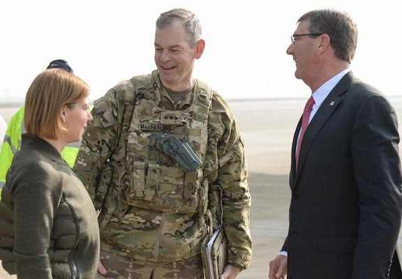 U.S. Army Lt. Gen. Sean MacFarland greets U.S. Defense Secretary Ash Carter and his wife, Stephanie, during a recent trip to Baghdad. (DoD photo by Army Sgt. 1st Class Clydell Kinchen)