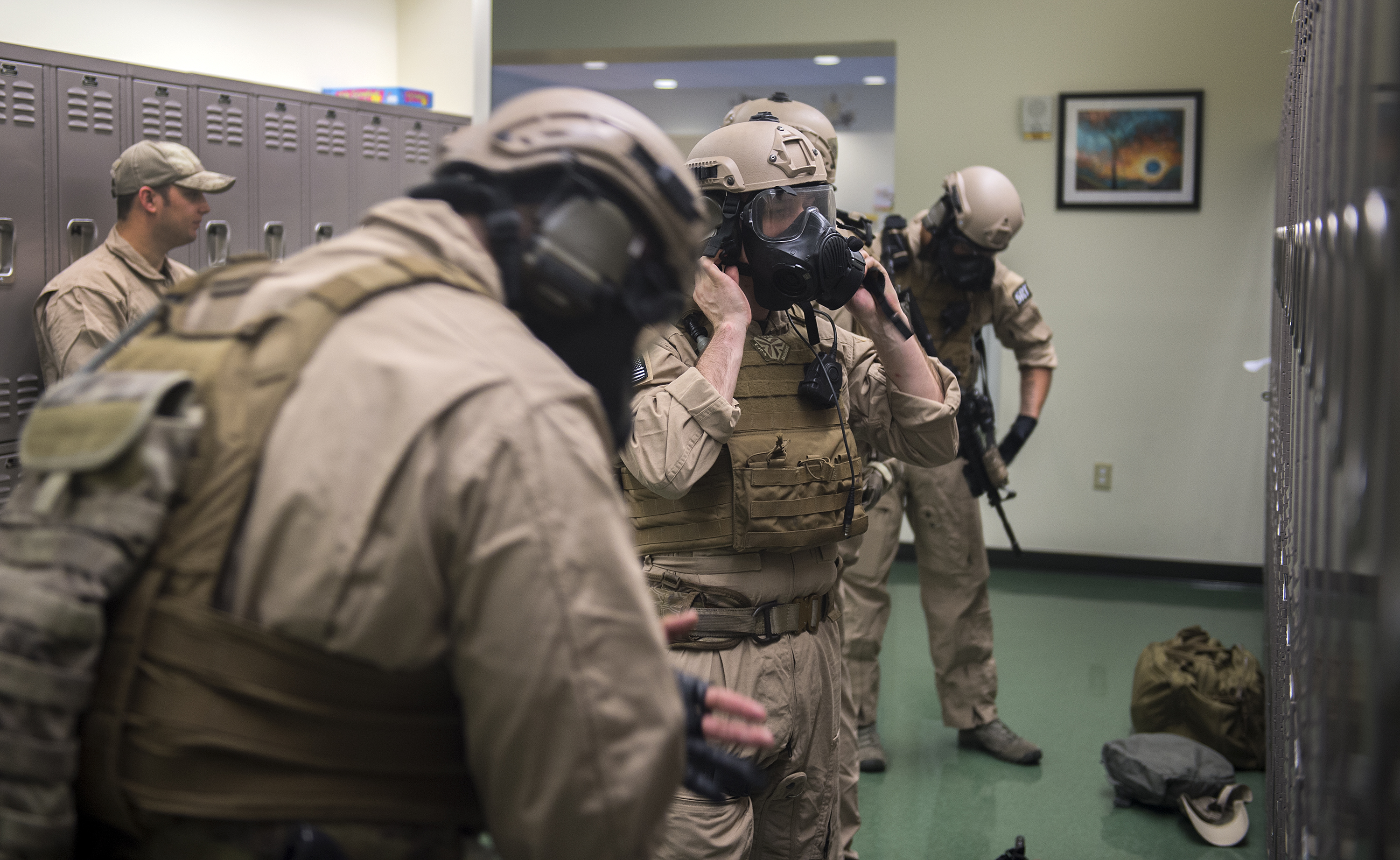 moody s special reaction team hones skills > air force medical hi res photo details u s air force staff sgt matthew roush 23d security forces squadron combat