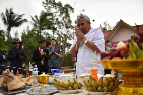 Samai Tanapai Bul blesses a pillar at the Wuat Ban Mak school, during exercise Cobra Gold 2016, Saraburi, Thailand, Jan. 25, 2016. Cobra Gold, in its 35th iteration, focuses on humanitarian civic action, community engagement, and medical activities to support the needs and humanitarian interest of civilian populations around the region.