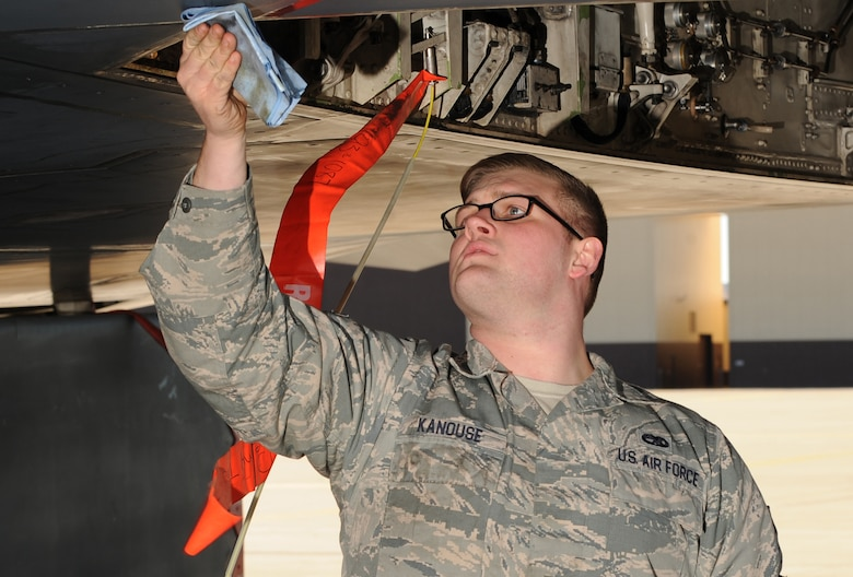 U.S. Air Force Senior Airman Zachary Kanouse, a 509th Aircraft Maintenance Squadron dedicated crew chief, wipes down a panel on a B-2 Spirit during a quick-turn inspection at Whiteman Air Force Base, Mo., Feb. 2, 2016. Kanouse checked components on the aircraft such as the oil and hydraulic brake lines prior to the aircraft taking off for an evening mission during Red Flag (RF) 16-1 exercise. RF involves a variety of attack, fighter, bomber, reconnaissance, electronic warfare, airlift support and search and rescue aircraft. (U.S. Air Force photo by Tech. Sgt. Miguel Lara III)