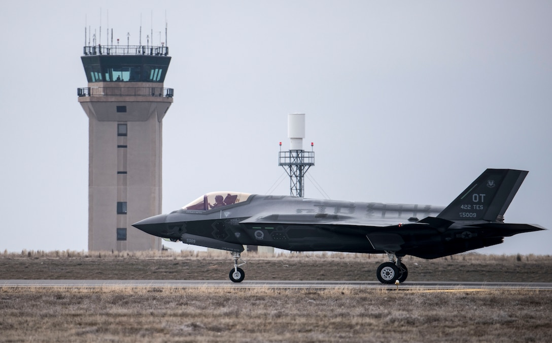 An F-35A Lightning II taxis after landing at Mountain Home Air Force Base, Idaho, Feb. 8, 2016. The F-35, visiting from Edwards AFB, Calif., will be part of an initial operating capability test at a nearby range complex. (U.S. Air Force photo/Senior Airman Jeremy L. Mosier)