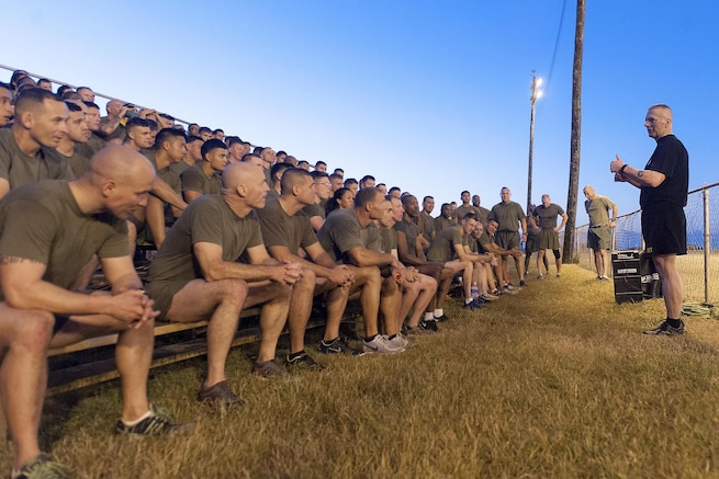 Army Command Sgt. Maj. John W. Troxell, right, senior enlisted advisor to the chairman of the Joint Chiefs of Staff, speaks with sailors and Marines after participating in a morning physical training session on Camp H.M. Smith, Hawaii, Feb. 10, 2016. DoD photo by Navy Petty Officer 2nd Class Dominique A. Pineiro