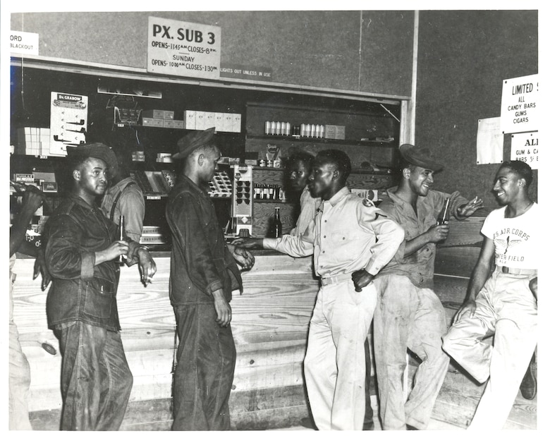 African Americans soldiers assigned to the 4th Aviation Squadron at