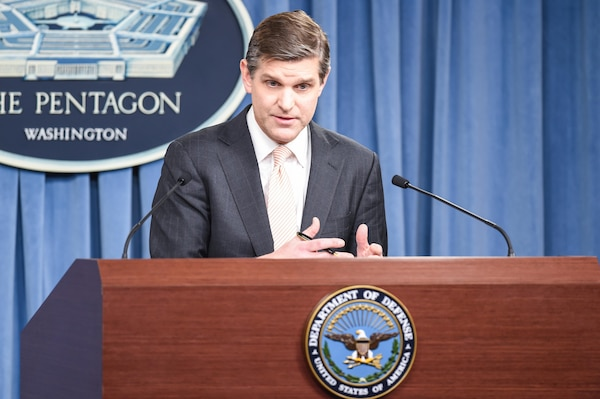 Pentagon Press Secretary Peter Cook briefs reporters at the Pentagon, Jan. 05, 2016. DoD photo by U.S. Army Sgt. 1st Class Clydell Kinchen