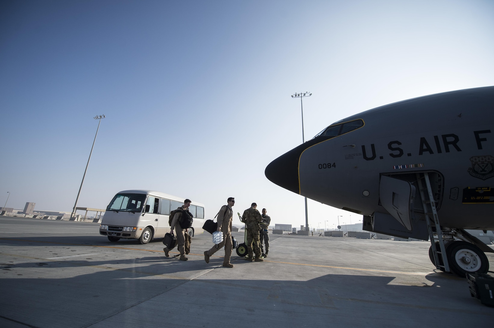 al udeid hookup Al udeid air base, qatar -- -- editor's note: the 8th eams is one of many geographically separated units of ramstein's 521st air mobility operations wing the c-17 globemaster iii is a versatile aircraft in high demand across the globe the airframe is used to haul cargo, transport passengers and.