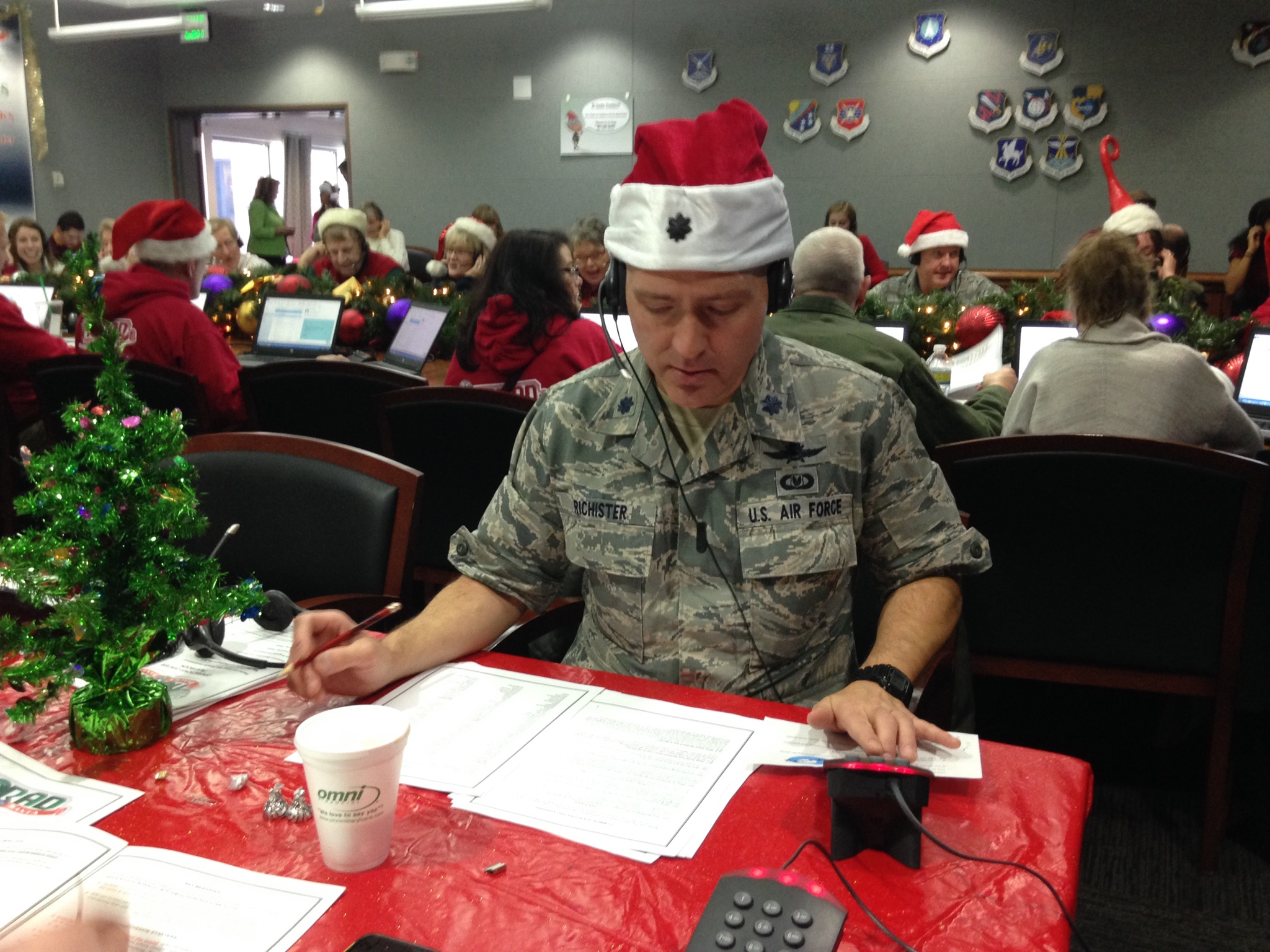 Tracking Santa: spreading cheer, serving country > 960th Cyberspace ...