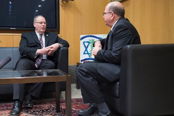 U.S. Deputy Defense Secretary Bob Work, left, speaks with Israeli Defense Minister Moshe Yaalon in Tel Aviv, Israel, Jan. 14, 2016. DoD photo by Navy Petty Officer 1st Class Tim D. Godbee