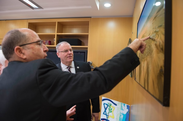 U.S. Deputy Defense Secretary Bob Work, back, looks at a photo with Israeli Defense Minister Moshe Yaalon in Tel Aviv, Israel, Jan. 14, 2016. DoD photo by Navy Petty Officer 1st Class Tim D. Godbee