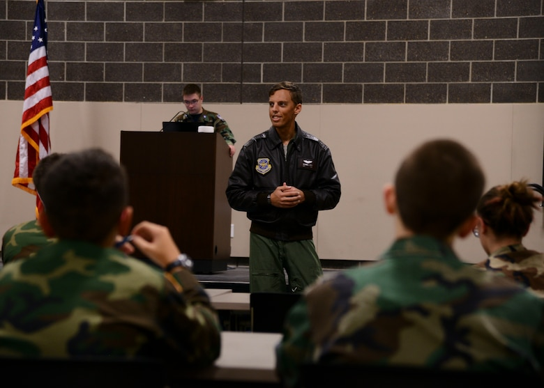 Capt. Nathanial Beer, 384th Air Refueling Squadron pilot, speaks to cadets at the Emerald City Composite Squadron, Jan. 14, 2016, in Wichita, Kan. Beer volunteers with the local Civil Air Patrol to give back to the same program that helped him follow his dreams of becoming a pilot. (U.S. Air Force photo/Airman 1st Class Christopher Thornbury)