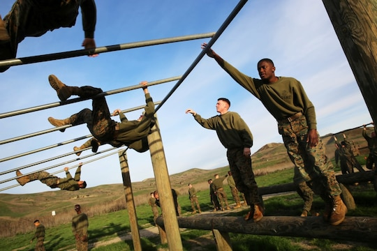 obstacle course during a Headquarters Battalion, 1st Marine Division ...