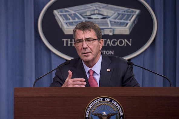 Secretary of Defense Ash Carter conducts a press briefing at the Pentagon to announce the latest in his Force of the Future reforms focused on improving the quality of life for military personnelJan 28, 2016.(DoD photo by Senior Master Sgt. Adrian Cadiz)(Released)