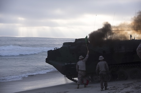Marines with Headquarters and Service Company, 3D Assault Amphibian Battalion, 1st Marine Division, conduct amphibious combat sustainment training near White Beach aboard Marine Corps Base Camp Pendleton, Calif., June 38-30, 2016. The exercises helped leaders within 3D AA Bn. evaluate their newer Marines while ensuring their own skills remain sharp. The battalion is charged with forcible entry and ship-to-shore transportation of the ground combat element of I Marine Expeditionary Force. (U.S. Marine Corps photo by Sgt. Jacob D. Osborne/Released)