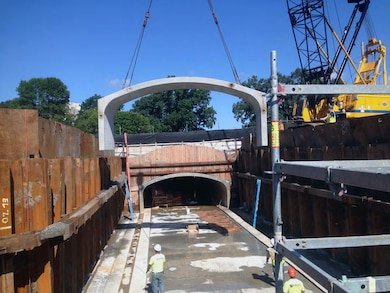 Precast concrete culvert section being placed for the new Riverway Culvert – 12 August 2015.