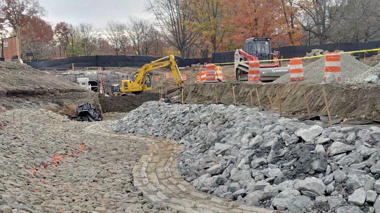 Daylighting of area between  – note the recreation of the historic Olmsted island (foreground right) starting to take shape – early November 2015