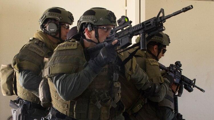 Combat Center SRT welcomes local law enforcement > Marine