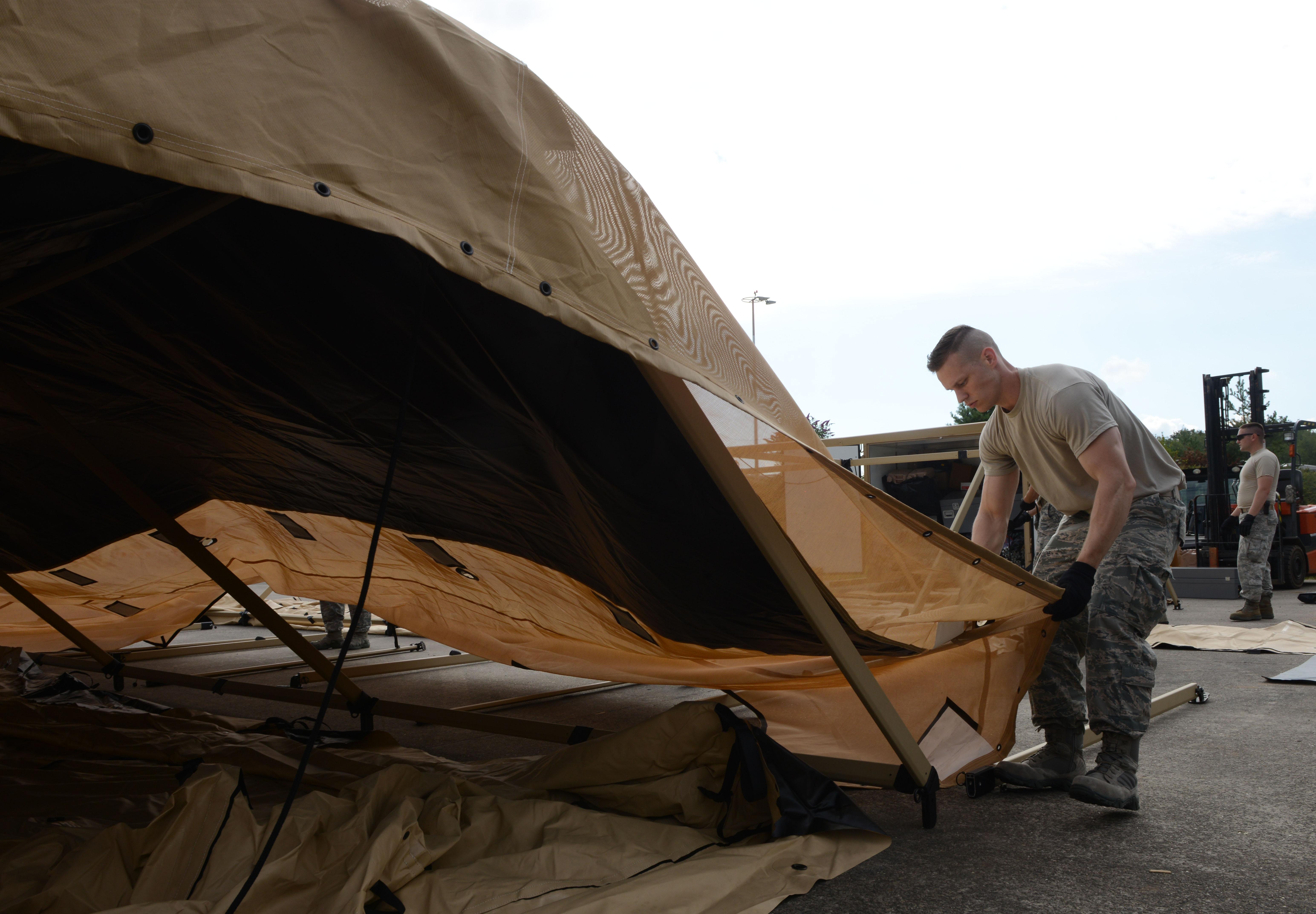 PHOTO DETAILS / DOWNLOAD HI-RES ... & 435th CRG Airmen train on new tents u003e u003cp styleu003dfont-size:20pxu003eU.S. ...
