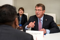 Defense Secretary Ash Carter talks to attendees during a meeting at the new Defense Innovation Unit Experimental, or DIUx, office in Boston, Mass., July 26, 2016. DoD photo by Air Force Tech. Sgt. Brigitte N. Brantley