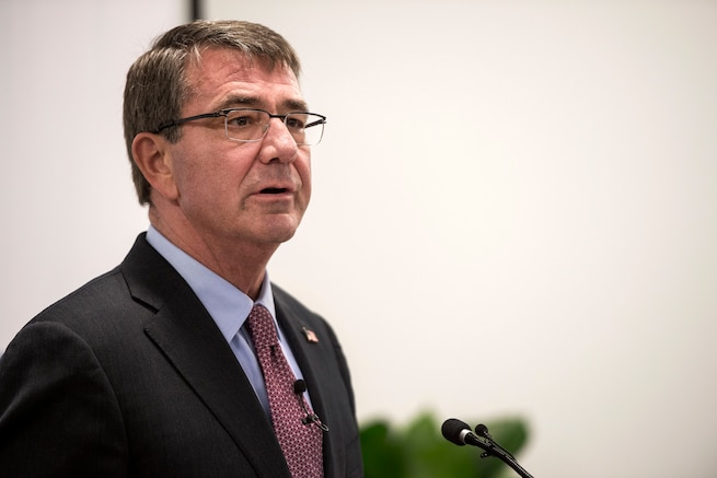 Defense Secretary Ash Carter talks to attendees during a meeting at the new Defense Innovation Unit Experimental, or DIUx, office  in Boston, July 26, 2016. DoD photo by Air Force Tech. Sgt. Brigitte N. Brantley
