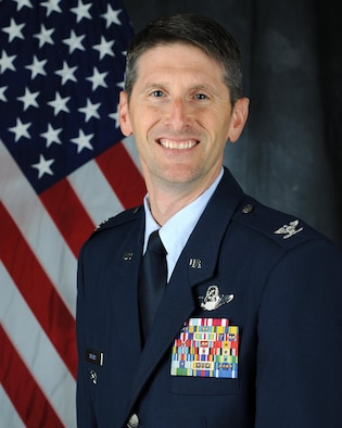 Bio photo of COLONEL BRADLEY L. SPEARS