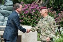 Defense Secretary Ash Carter meets with Army Command Sgt. Maj. Benjamin Jones, XVIII Airborne Corps command sergeant major, at Fort Bragg, N.C., July 27, 2016. DoD photo by Air Force Tech. Sgt. Brigitte N. Brantley