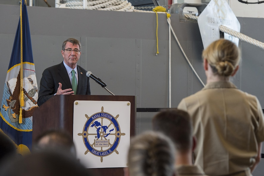 Defense Secretary Ash Carter speaks with troops.