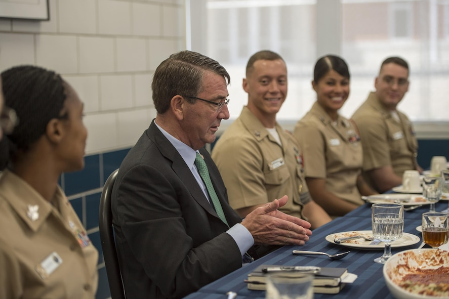 Defense Secretary Ash Carter meets with recruit division commanders.
