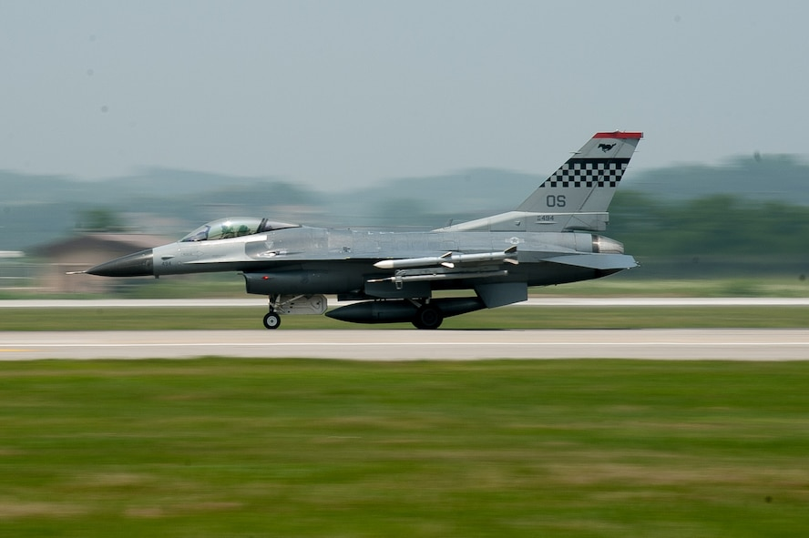 A U.S Air Force F-16 Fighting Falcon from the 36th Fighter Squadron takes off from Osan Air Base, Republic of Korea, during Buddy Wing 16-5, June 9, 2016.  Buddy Wing missions are an opportunity for pilots to integrate their service-specific fundamentals of air-to-air combat training. (U.S. Air Force photo by Staff Sgt. Jonathan Steffen/Released)